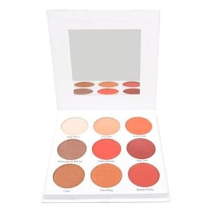 GIVE THEM LALA BEAUTY The Grown Woman Palette